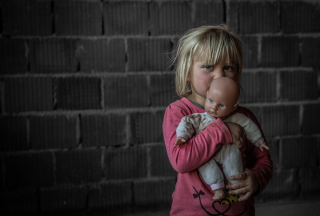 Born in a stable, living today without basic necessities – Dunja (3) from Kosovo and Metohija