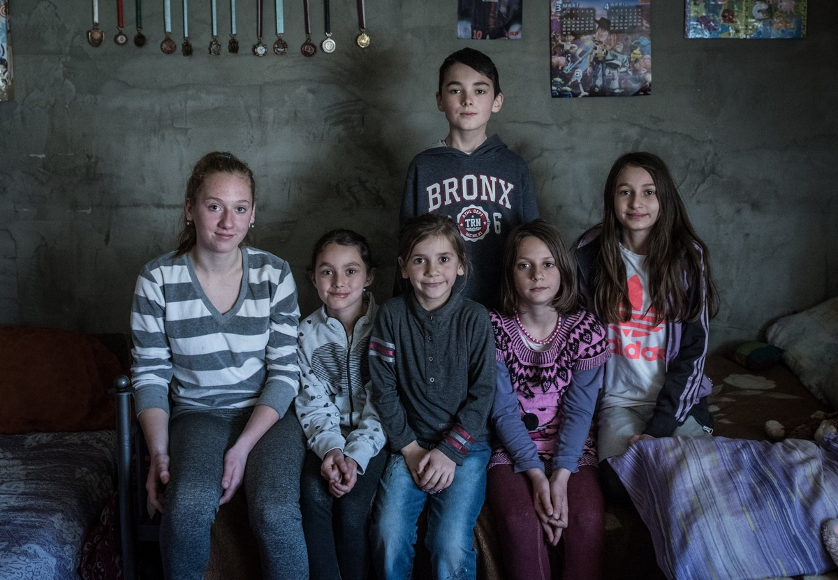 One family, half of a school – the Nedovićs await their eighth child in the heart of Šumadija